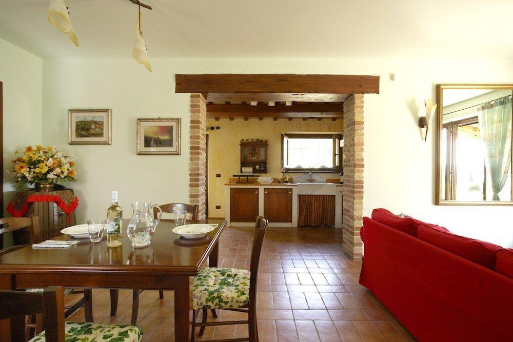 L 39 agriturismo poggio degli ulivi adatto alla famiglie che cercano il comfort - Interni casa classica ...